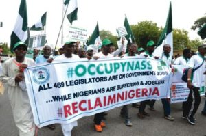 Anti-Saraki-protesters-storm-N'Assembly